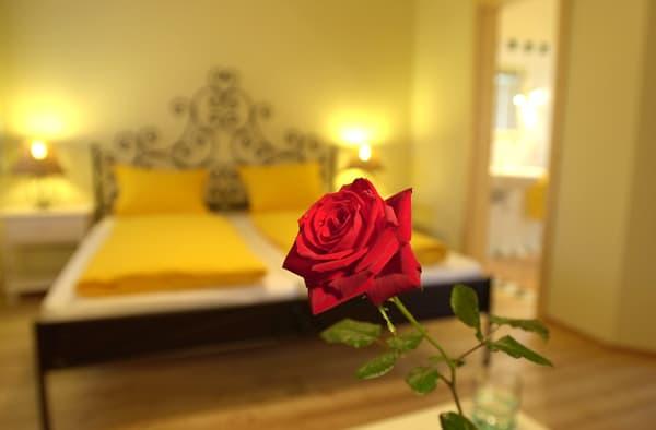Sonnenblumenzimmer_Rose